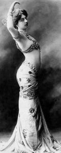 Mata Hari Pose
